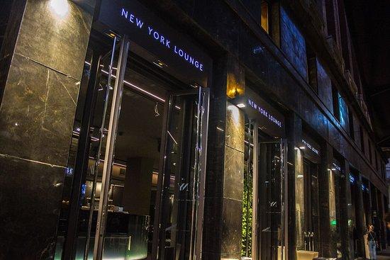 New york lounge milano stazione centrale ristorante for New york bed and breakfast economici