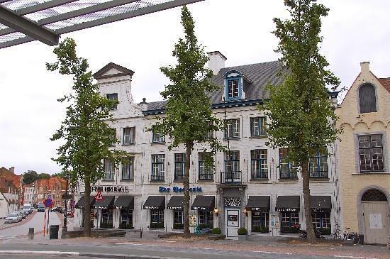 Torn And Visibly Filthy Carpet Photo De Nh Brugge Bruges Tripadvisor