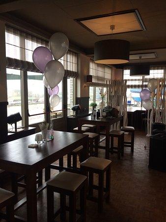 Cafe-Restaurant Bon