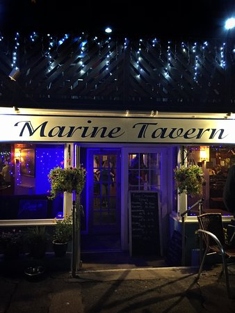 Dawlish, UK: Marine Hotel and Tavern