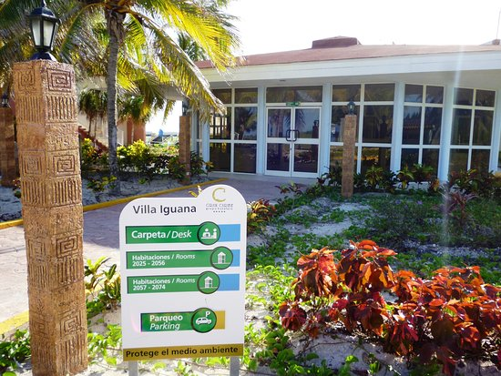 Entrance - Picture of Hotel Villa Iguana, Cuba - Tripadvisor