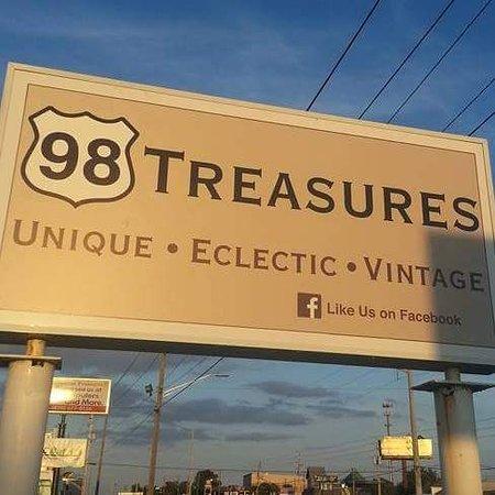 Gulf Breeze, FL: 98 Treasures