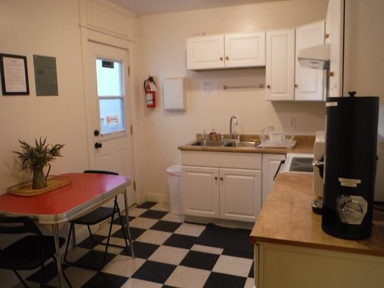 Camas, WA: Kitchen available for use.