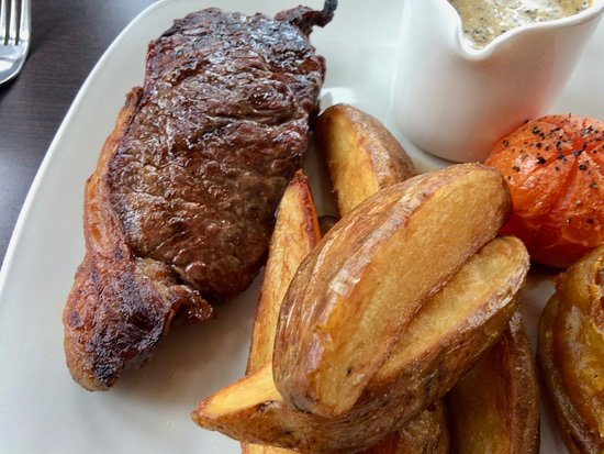 Northop Hall, UK: Steak and chips