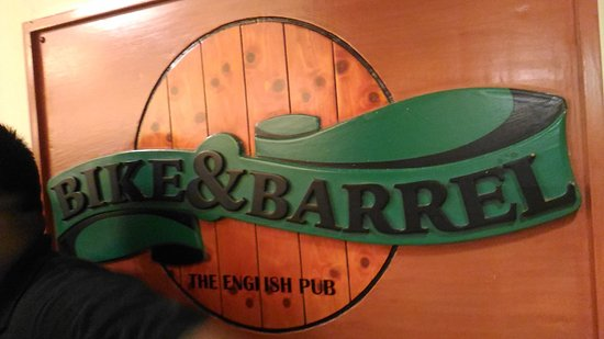 Bike & Barrel Bar : One of the best bar in this area...ambience was great...crowd was good too...food was delicious.
