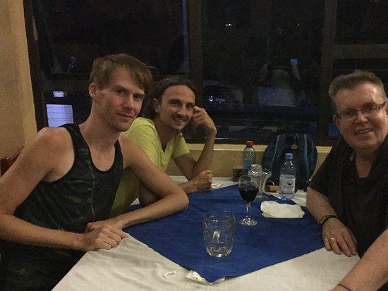 Sundowners Backpackers: In restaurant