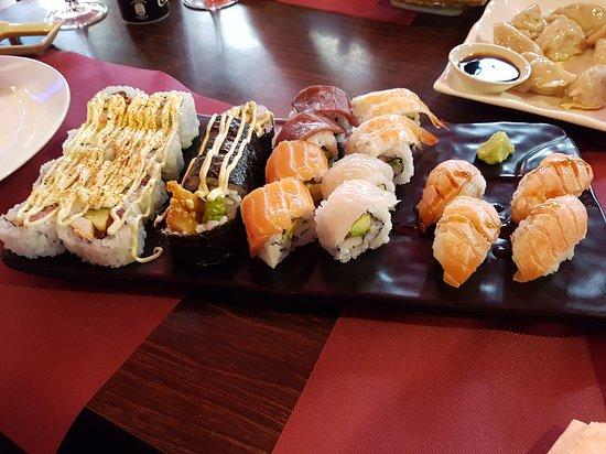 Phenomenal Japones Buffet Libre En La Llagosta Opiniones De Viajeros Interior Design Ideas Inamawefileorg