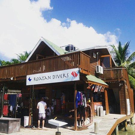 West End, Honduras: Roatan Divers 2016