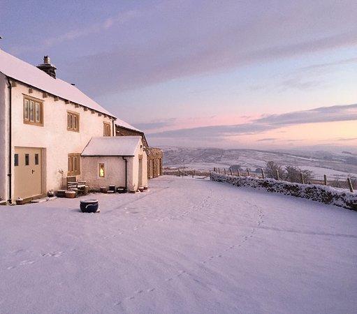 Slaidburn, UK: Merrybent Hill in winter