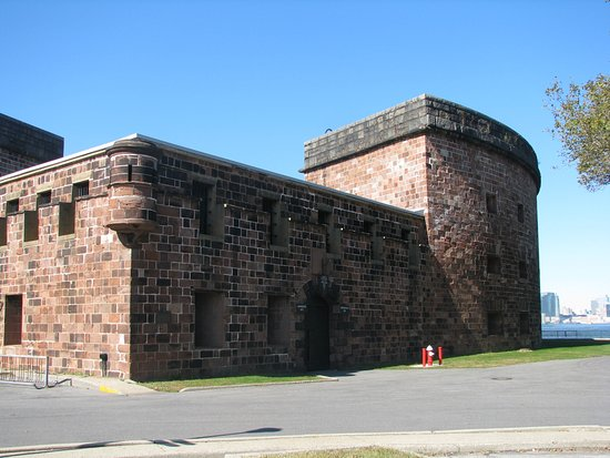Governors Island National Monument : Castle Williams