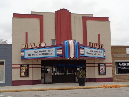 Pocahontas IA Rialto Theater Front