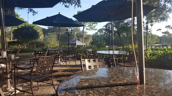Packards at Innisbrook Resort: Early morning on the patio outside of Packards restaurant, Innisbrook Golf Resort, Palm Harbor,