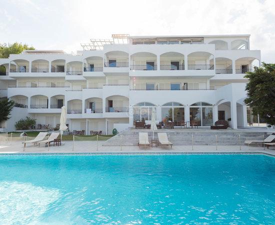 Plaza skiathos hotel updated 2017 reviews price for La piscine art hotel reviews