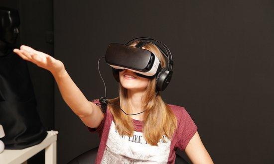 Cybersowa - VR saloon