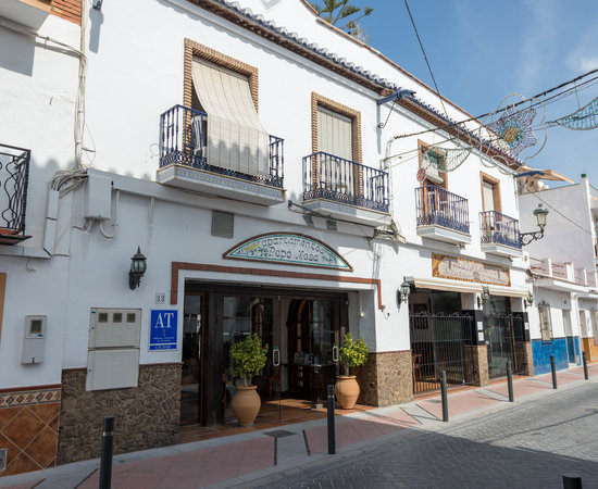 Apartamentos pepe mesa updated 2017 hotel reviews for Pepe mesa nerja
