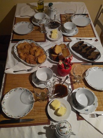 Tamajon, Spagna: el desayuno, buenisimo