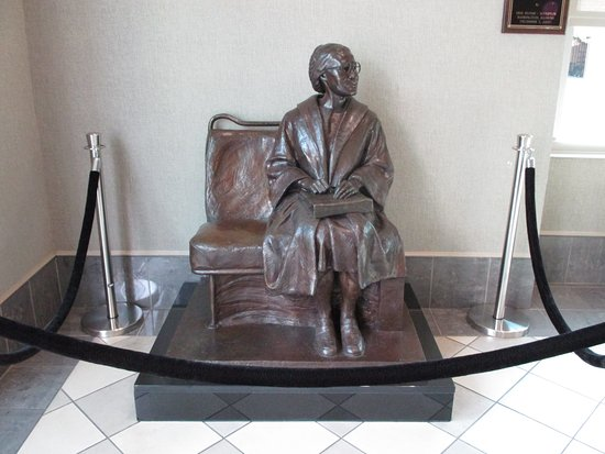 Rosa Parks Library and Museum: Roped off sculpture of Rosa Parks