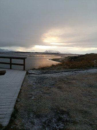 Blonduos, IJsland: background scene from Hvitserkur viewing platform.