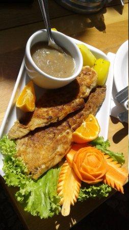 Restaurante Quarta Estacao: Adorei o filé de Anchova!