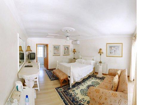 Arcadia Guesthouse & Restaurant
