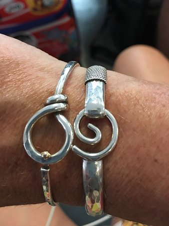 Bracelet перевод с английского на русский
