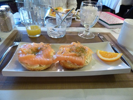 Fairholm National Historic Inn: bagel and lox