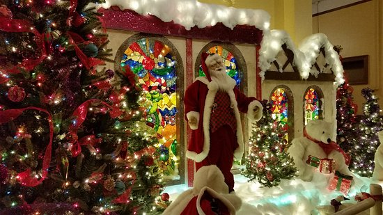 Hotel Colorado: Their decorations for Christmas are incredible