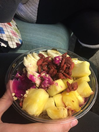 Belmar, Νιού Τζέρσεϊ: This is the goji bowl.  They use fresh fruit,  I enjoyed it.