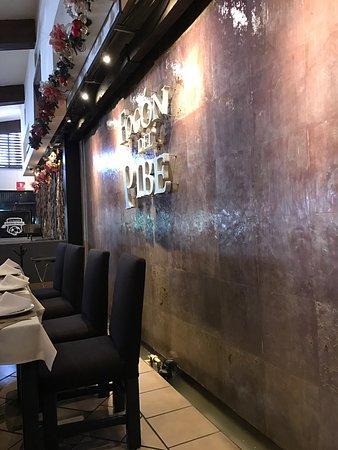 El Fogon del Pibe: Muy agradable restaurante. Comida deliciosa y personal amable. Para pareja, familia o negocios.