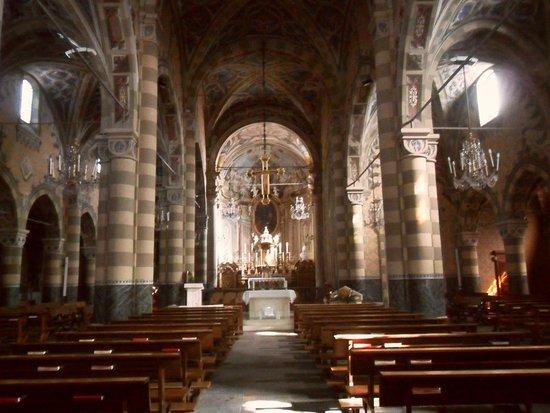 Interno chiesa foto di chiesa di san maurizio pinerolo for Interno chiesa