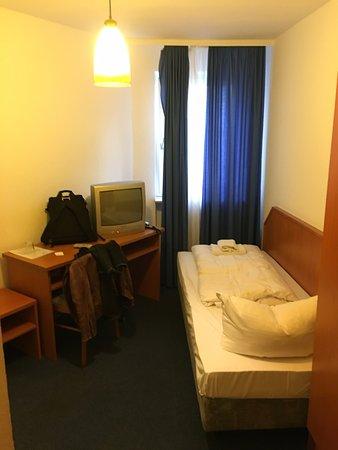 Hotel Everest Photo