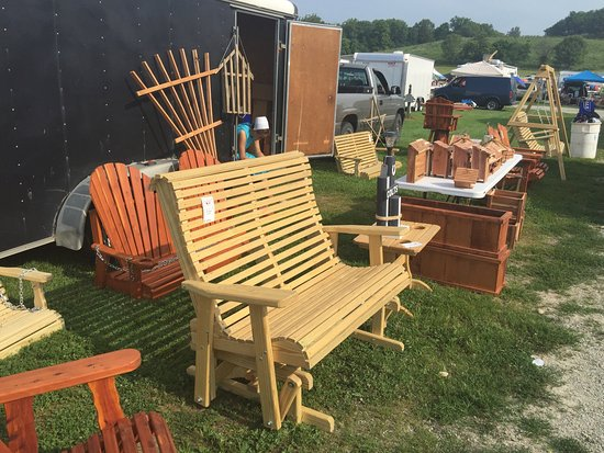 Brookville, IN: Just one of the over 500 booths at White's Farm.