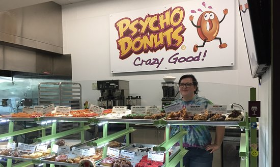 Campbell, CA: Good service with vast selection of...candy (donuts).
