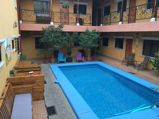 Fullmoon Hotel
