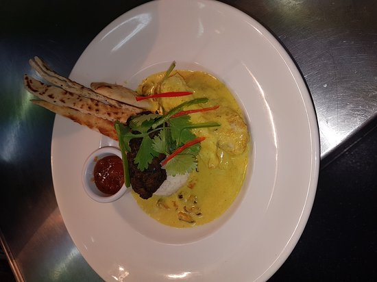 ... curried mussel sauce,basmati rice, naan bread soldier, mango chutney