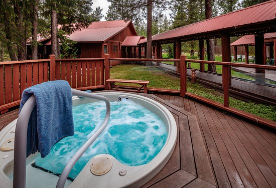 Mazama Country Inn: Hot Tub!
