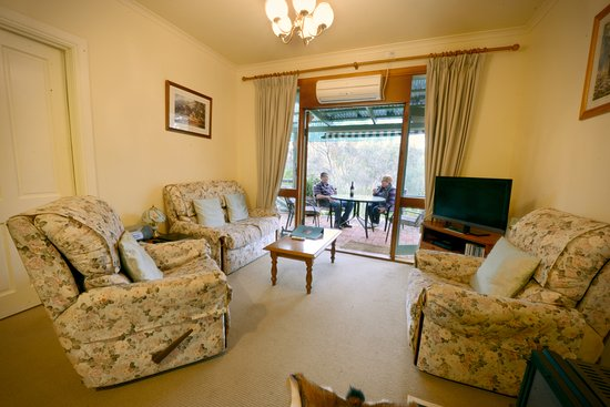 Sitting room coach house - Picture of St Helens Country Cottages ...