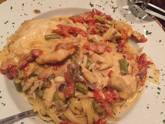 Roma Ristorante - Allentown : Dinner party of 8 and we all were extremely pleased with our meals!