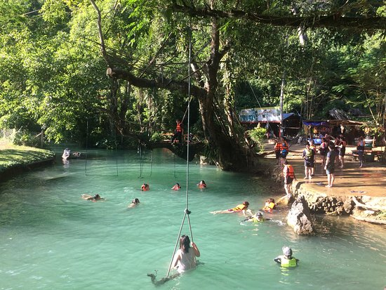 Vang Vieng, لاوس: Overcrowded, noisy