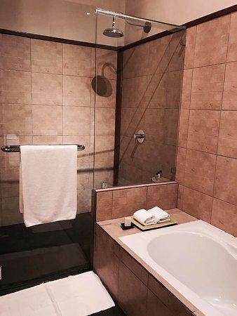 Mekong Villa Bathroom