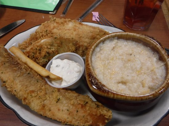Madison Chop House Grille: catfish and cheese grits