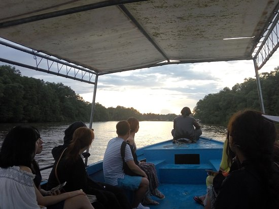 Tadzmahal Travel And Tours Sdn Bhd - Private Tour: nice sunset view during the cruising :)