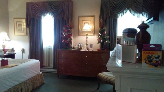 What a beautiful suite Picture of Rittenhouse 1715 A Boutique