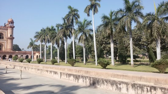 Giardini con fontane fontane e fontanelle rubinetti e - Giardini con fontane ...