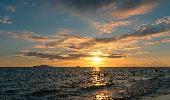 Howard Johnson Resort Sanya Bay: Вечерний закат