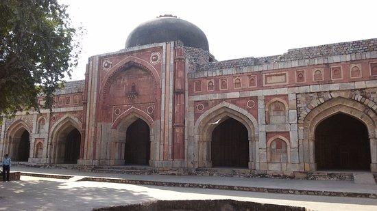 Mehrauli Archaeological Park: Jamali Kamali moschea