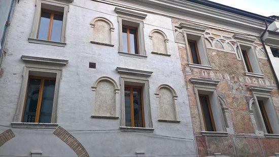 Palazzo Crescendolo Milani