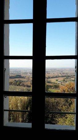 Seguret, Francia: Vue sur les domaines viticoles