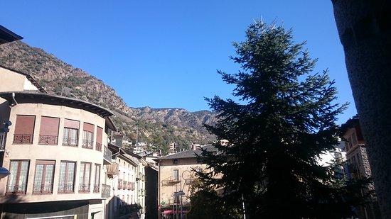 Hotel Pyrenees: Desde la habitación