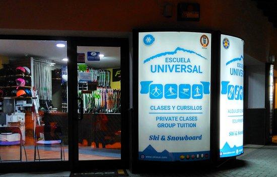 Escuela Universal Esqui & Snowboard